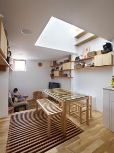 5144f2a4b3fc4b88c6000084_house-in-nada-fujiwarramuro-architects_oishi216652000-750x1000