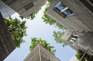 House for Trees / Vo Trong Nghia Architects-for-trees-vo-trong-nghia-architects_04_courtyard-1000x666