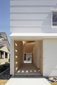 dezeen_Light-Walls-House-by-mA-style-architects_13