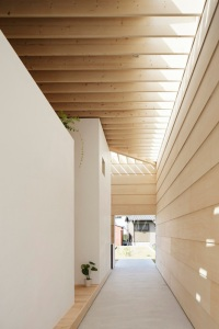 dezeen_Light-Walls-House-by-mA-style-architects_18