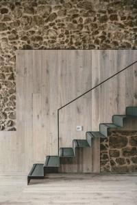 546ac870e58ecea75a000105_housing-rehabilitation-in-la-cerdanya-dom-arquitectura__mg_8018_copiaret-666x1000