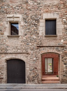 House-1014-in-Barcelona-by-HARQUITECTES_dezeen_468_1