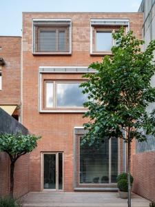 House-1014-in-Barcelona-by-HARQUITECTES_dezeen_468_15