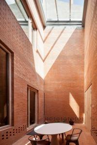 House-1014-in-Barcelona-by-HARQUITECTES_dezeen_468_3