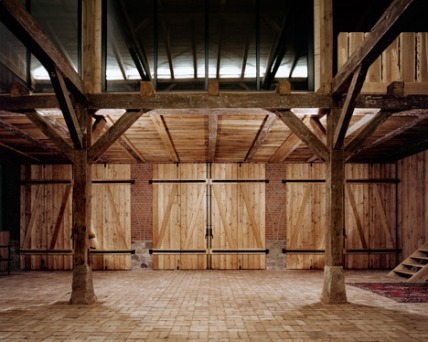 German-barn-conversion_Thomas-Kroger_dezeen_468_11