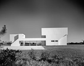 5329e956c07a8006ff0000db_ad-classics-saltzman-house-richard-meier-partners-architects_51ee-004