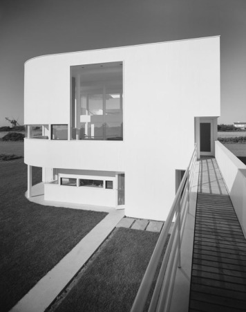 5329e961c07a80c2d00000bf_ad-classics-saltzman-house-richard-meier-partners-architects_51ee-017