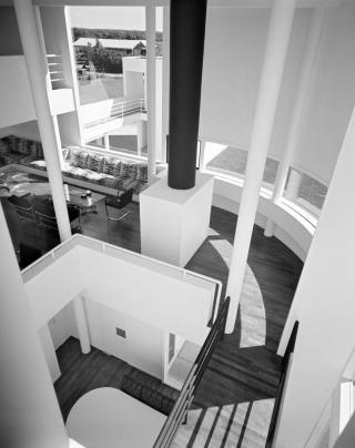 5329e96dc07a80c8660000d6_ad-classics-saltzman-house-richard-meier-partners-architects_51ee-021