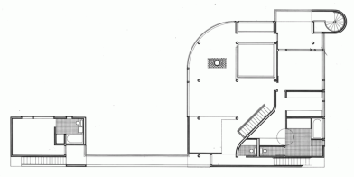 5331ee4ec07a80cb6b00000a_ad-classics-saltzman-house-richard-meier-partners-architects_rmp_saltzman_house-middle_level_floor_plan-1000x502
